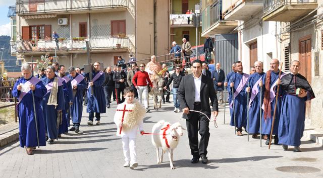 Processione delle Palme: con questa processione hanno avuto inizio a Castronovo di Sicilia i riti della Settimana Santa 2014